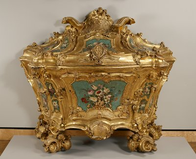 lacquered and giltwood, gilt bronze mounts; writing desk and chest-of-drawers which opens