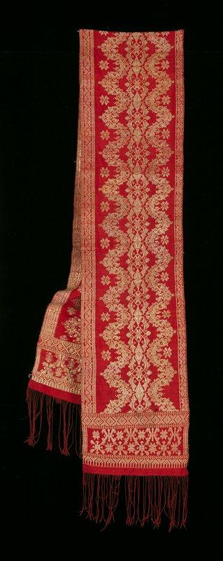 red plain weave/supplemental weft