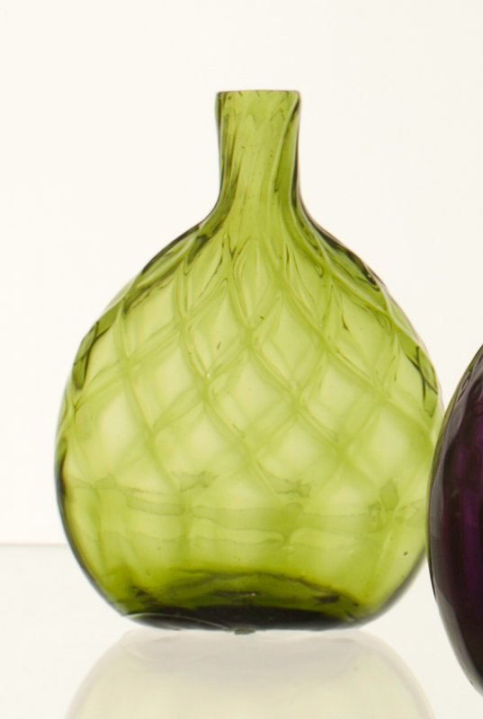 Chestnut flask, half pint, 10 diamonds, citron or strong yellow green, Midwestern; bottle and dishes from Ohio Manufacturers, 159 items in all, from the Walter Douglas Collection in Centerville, Ohio