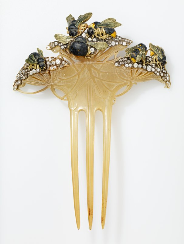 comb, gold and enamel set with diamonds, from special design made and executed by Lalique of Paris for Mr. Howard Mansfield in 1900