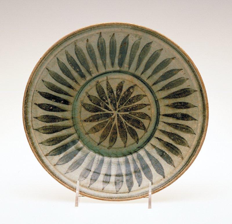 porcelaneous stoneware with underglaze brown flower petal decor