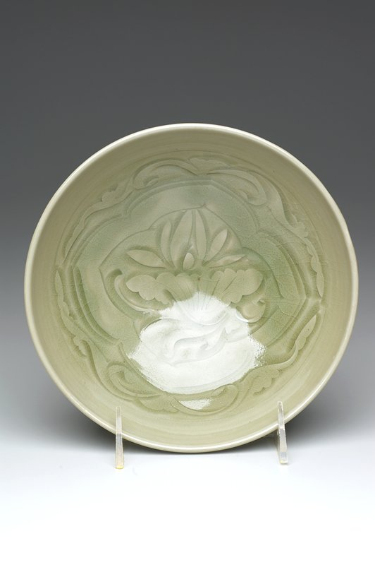 Longquan celadon lotus bowl, has own storage box