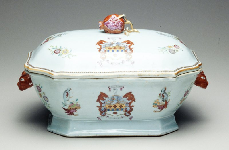 tureen and cover rectangular with clipped corners; red boar's head handles cover sides with scroll bordered mercer coat-of-arms and mottoes 'The Grit Poul' and 'Crux Christi Nostra Corona' flanked by two birds on scroll supports; cover has gilt chain border and pomegranate finial